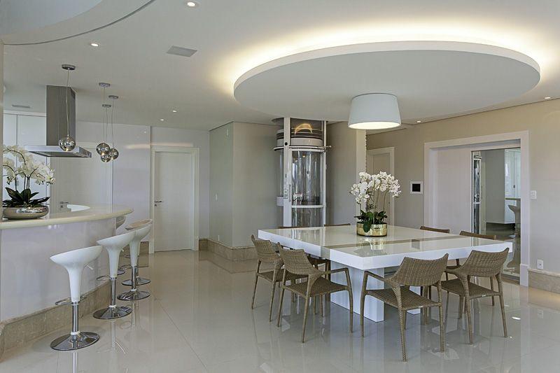 Arquiteto Aquiles Nícolas Kílaris - Casa Europa - elevador