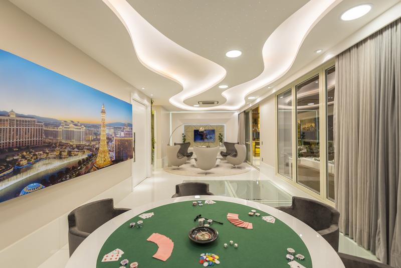 Aquiles Nícolas Kílaris - Apartamento Paris - Jogos