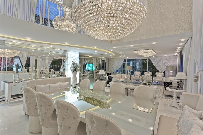 Aquiles Nícolas Kílaris - Casa Versace - jantar
