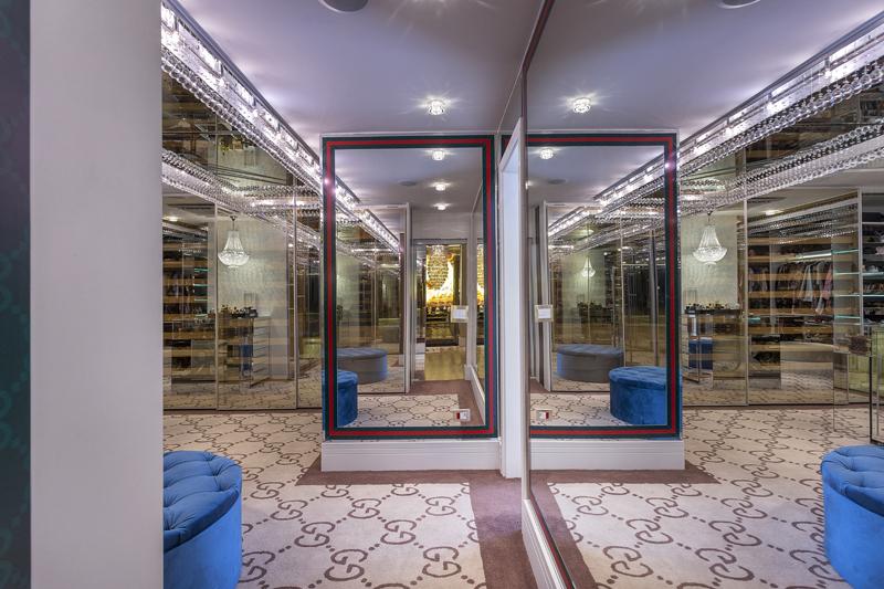 Aquiles Nìcolas Kílaris - Casa Versace - Closet