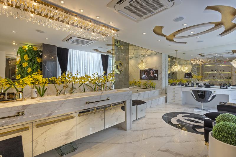 Aquiles Nícolas Kílaris - Casa Versace - banho