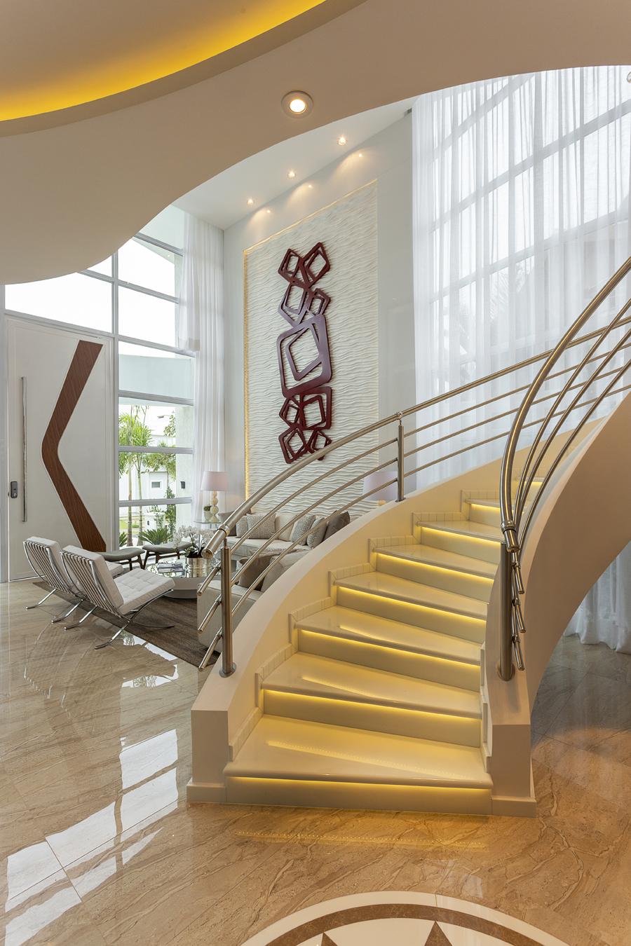 Aquiles Nícolas Kilaris - Casa Esplêndida - luz escada