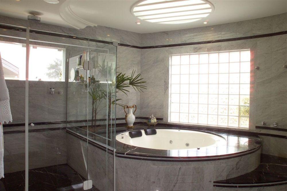 Aquiles Nícolas Kílaris - Casa Home Resort - banho