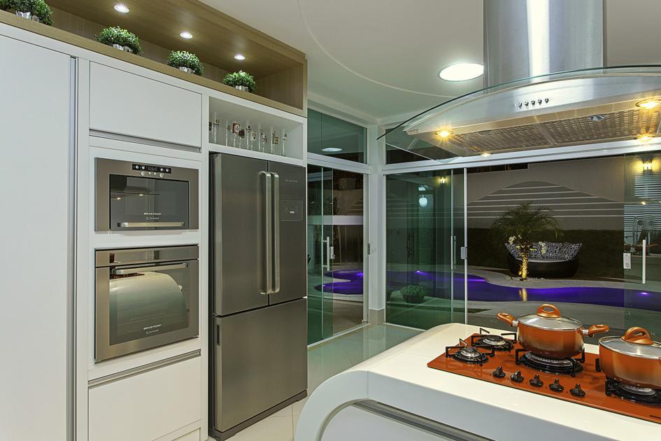 Aquiles Nícolas Kílaris - Casa malibu - cozinha.jpg