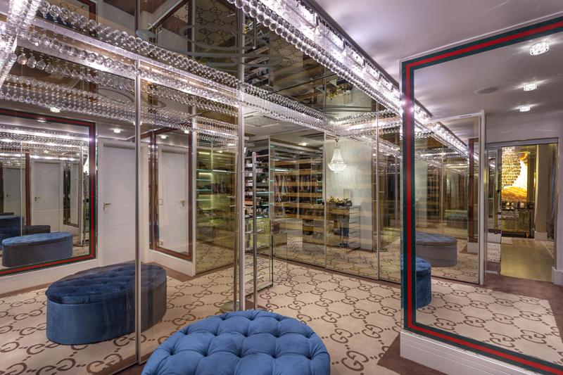 Aquiles Nícolas Kílaris - Casa Versace - Closet